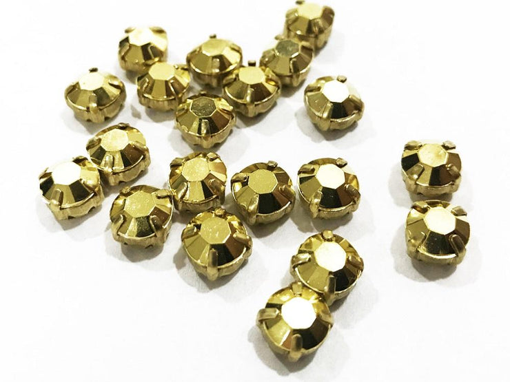 Golden Matte Circular Plastic Stones with Catcher (28 SS) (4541042196549)