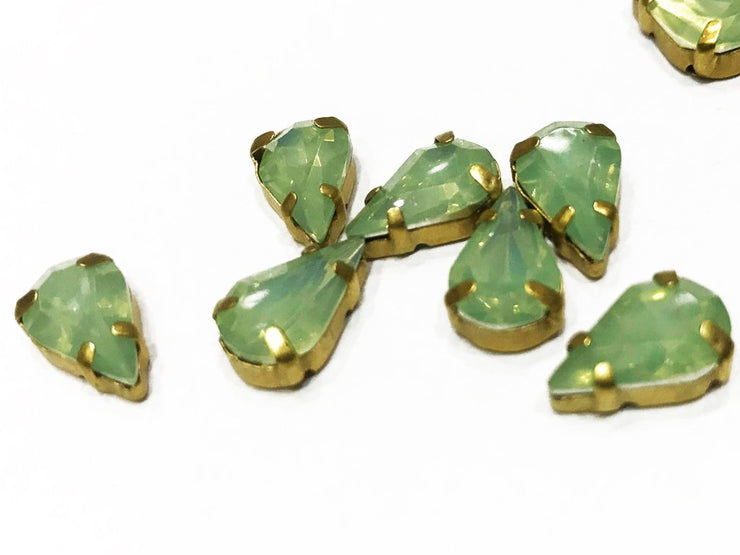 Peridot Green Drop Resin Stones with Catcher (13x8 mm) (4539618754629)
