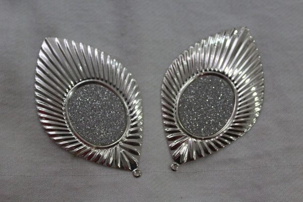 Silver Leaf Metal Brooch
