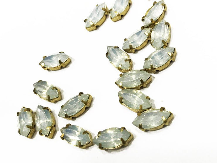 White Eye Resin Stones with Catcher (10x5 mm) (4539558363205)
