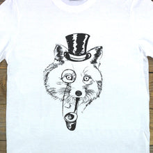 fox tee close up