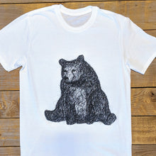SITTING BEAR WHITE TEE