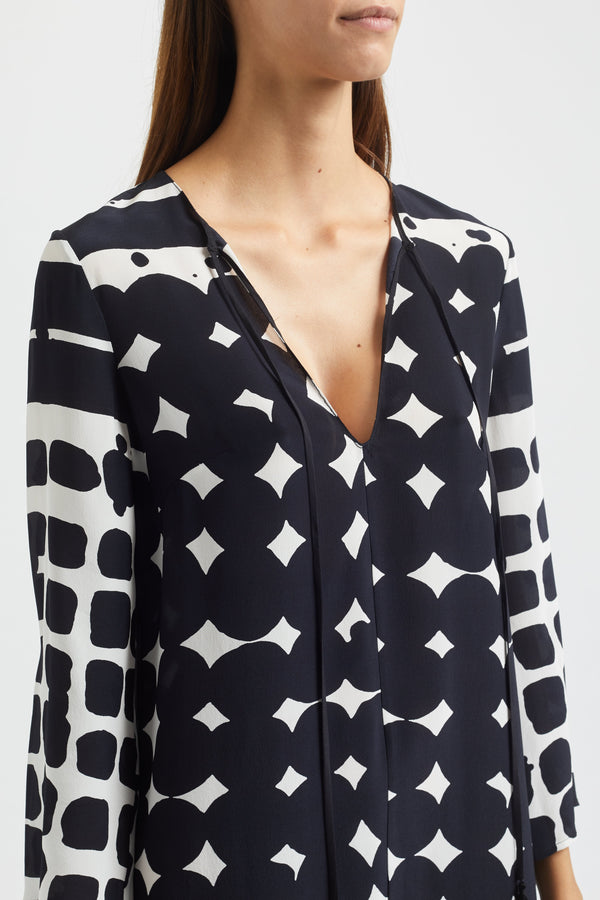Kalmar Jamine Tunic Top in black and white print