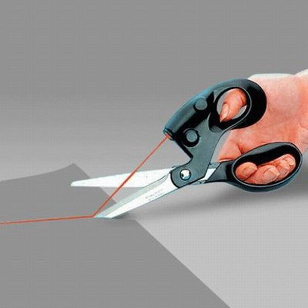 Straight and Accurate Cutting Scissors