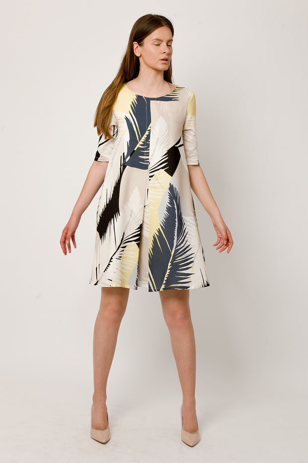 Feather print dress with pleat