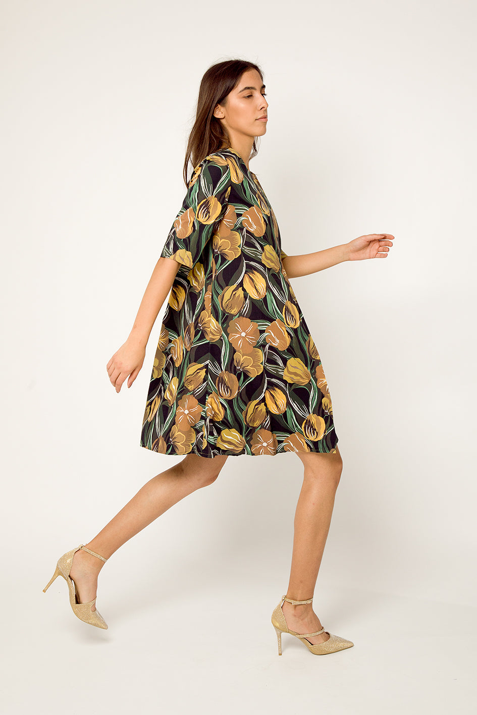 Tulip trapezoid dress with pleat