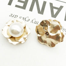 Alloy Pearls Flowers