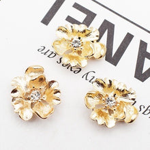 Alloy Gold Flowers