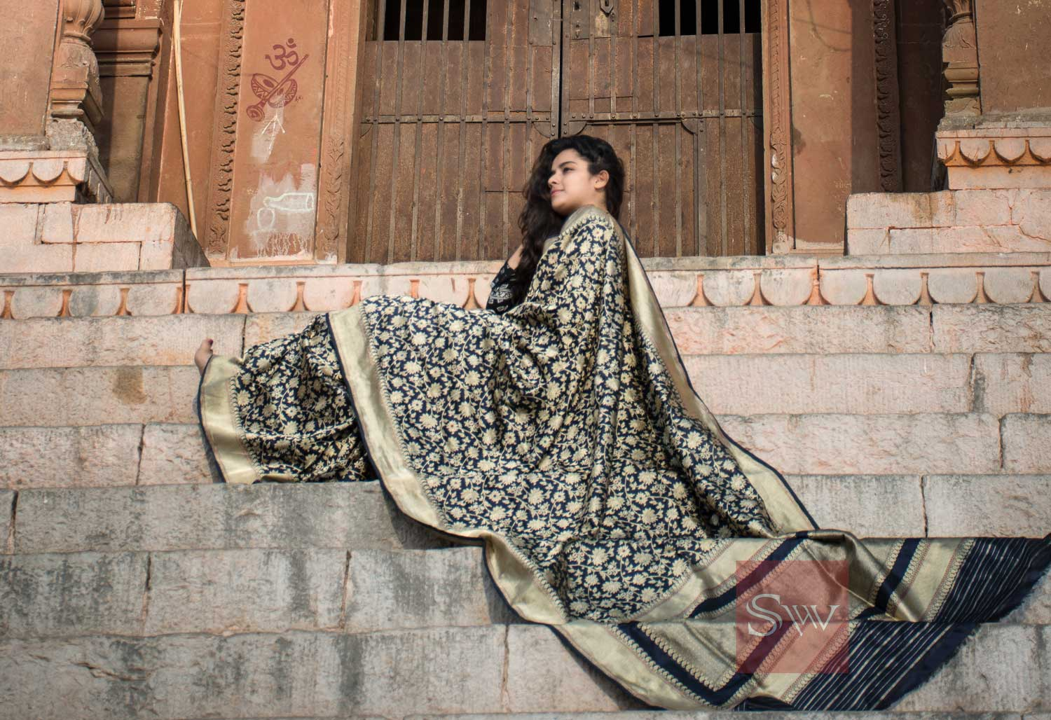 Weave The Festive Spirit with the Iconic Banarasi Saree