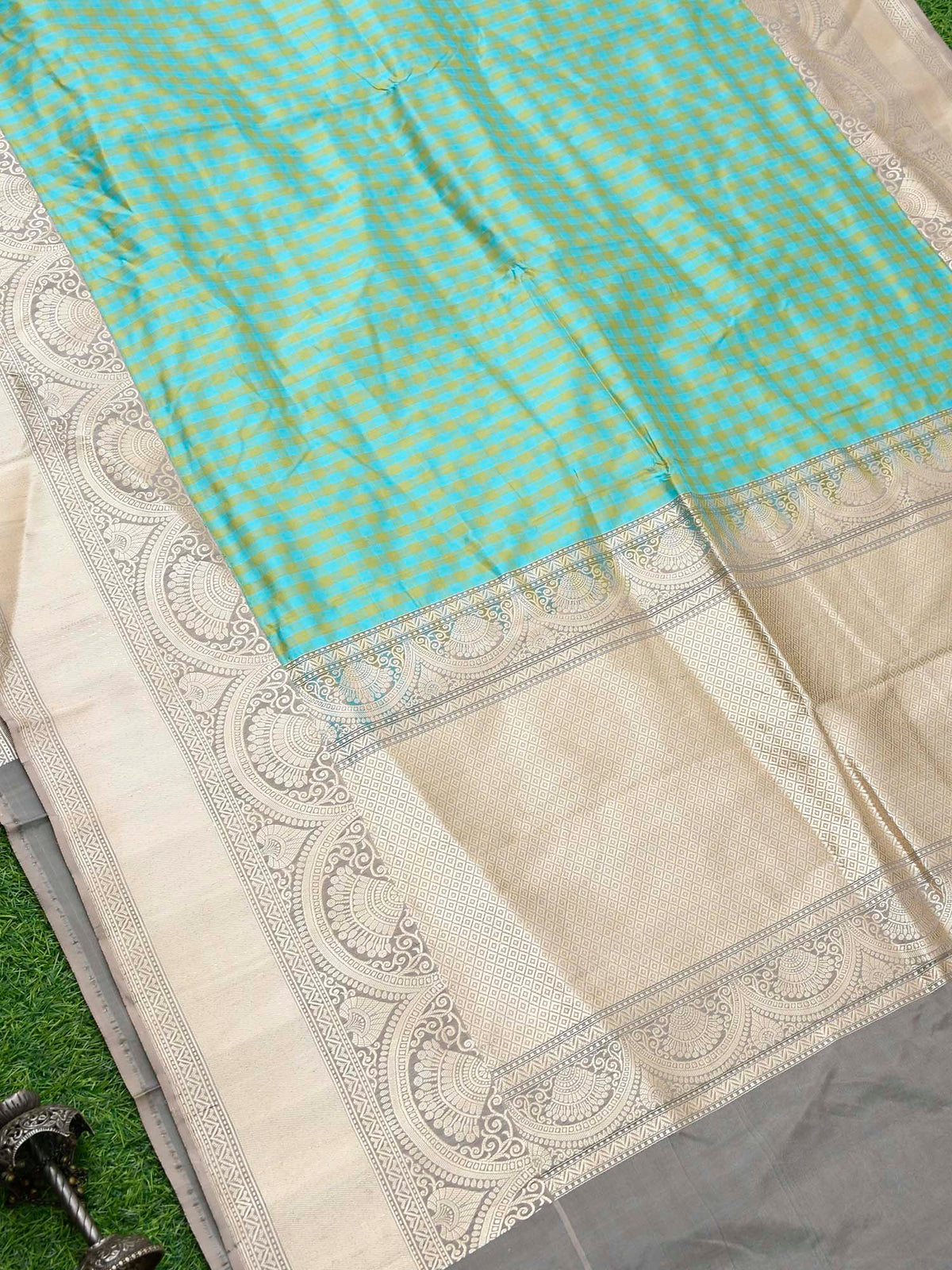 Green Katan Silk Handloom Banarasi Saree - Sacred Weaves
