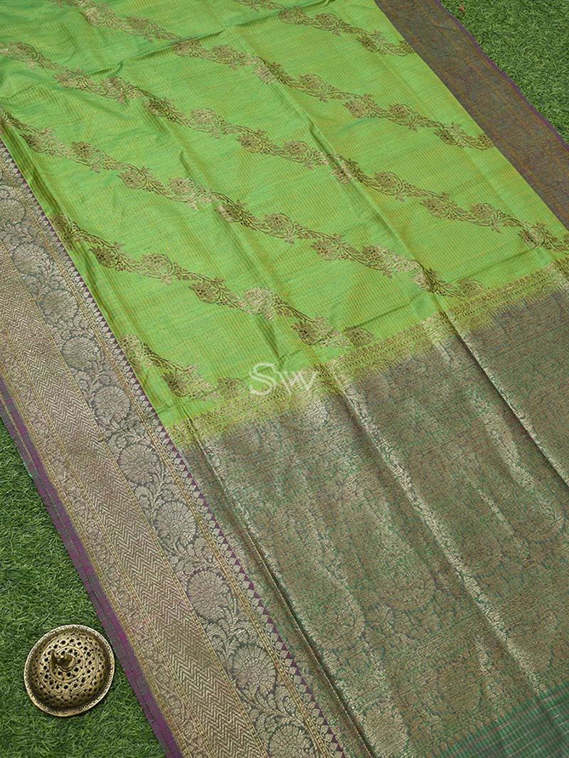 Green Dupion Silk leheriya Handloom Banarasi Saree - Sacred Weaves