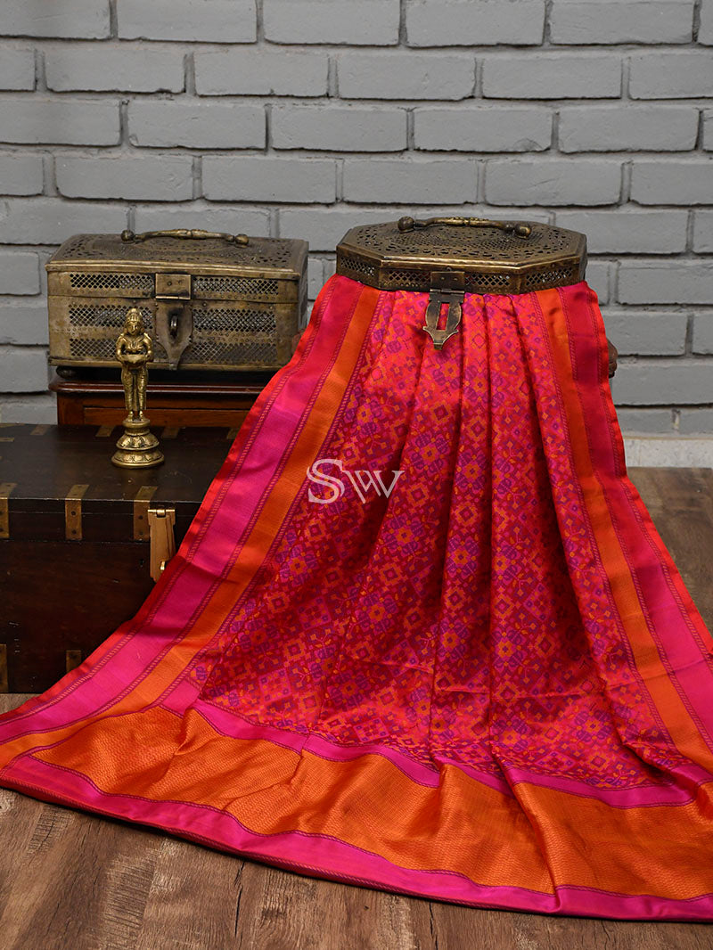 Red Magenta Tanchoi Silk Handloom Banarasi Saree - Sacred Weaves