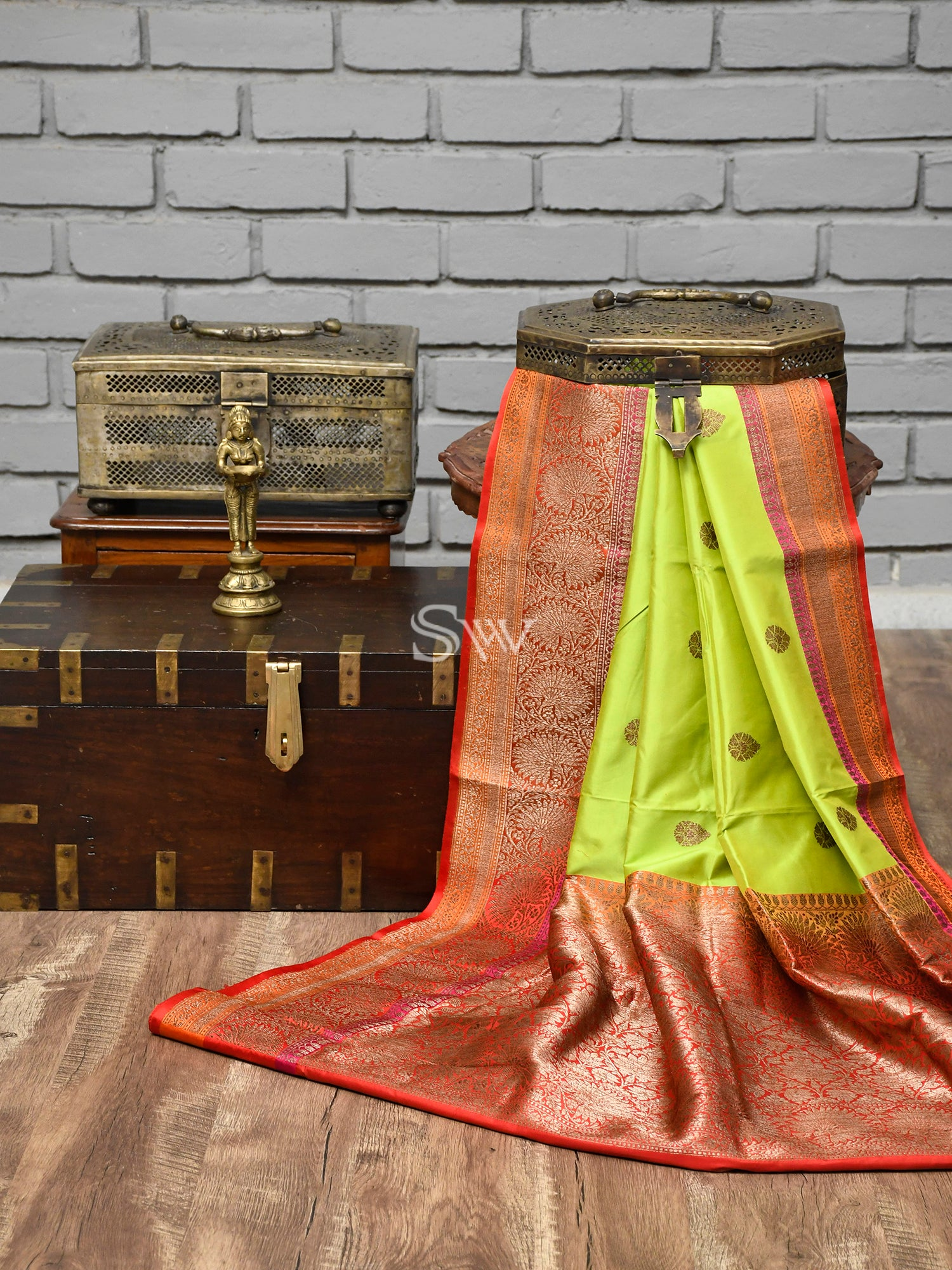 Green Booti Katan Silk Handloom Banarasi Saree - Sacred Weaves