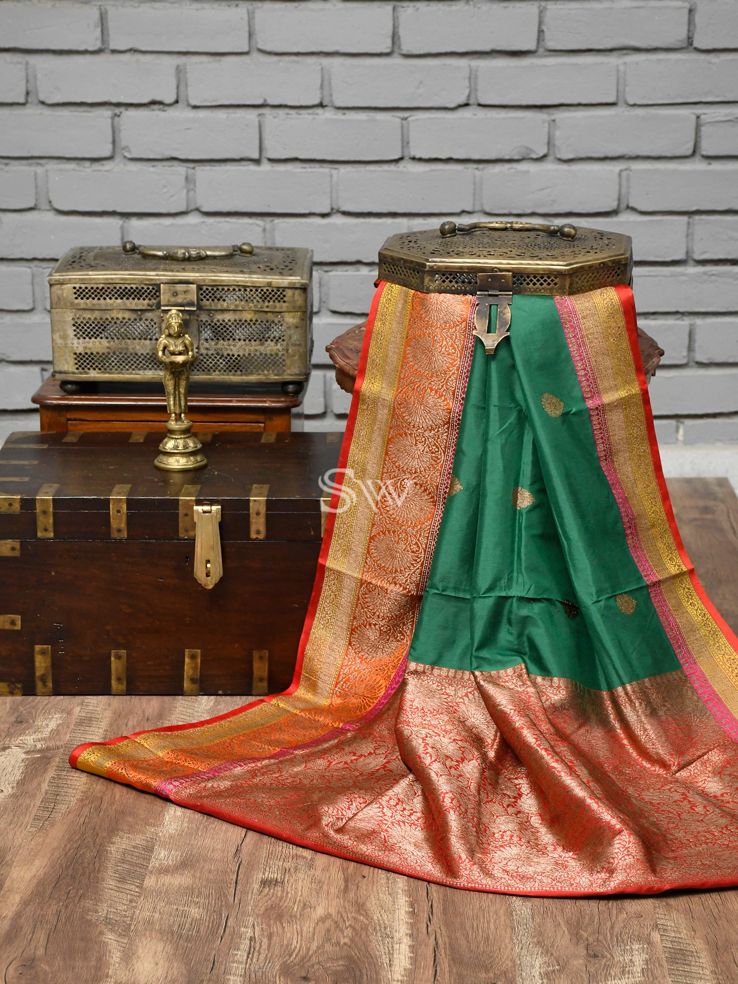 Dark Green Booti Katan Silk Handloom Banarasi Saree - Sacred Weaves