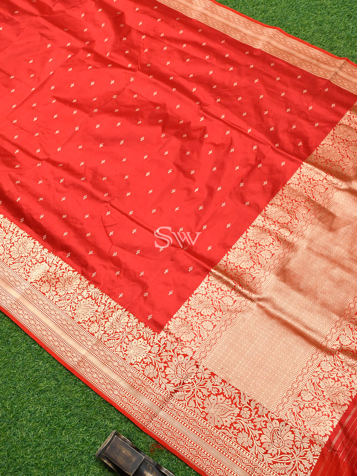 Red Meenakari Katan Silk Handloom Banarasi Saree - Sacred Weaves