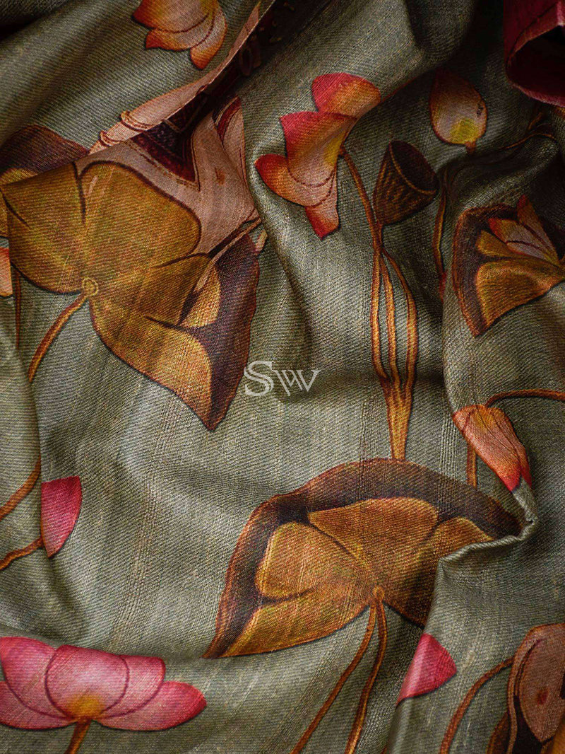 Cloud Grey Mural Printed Tusser Silk Banarasi Saree - Sacred Weaves