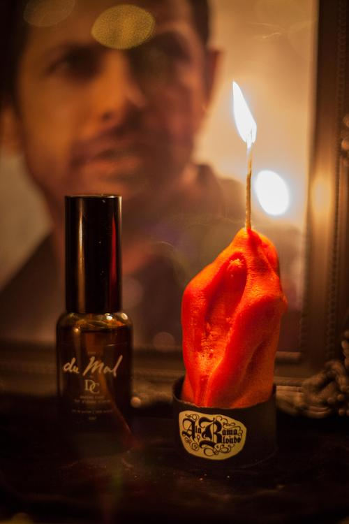 Queen Labia du Mal candle