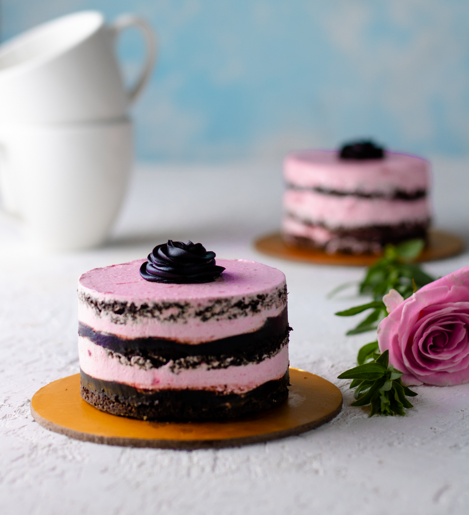 Strawberry Cream Chocolate Cake [200gm]-Mini Cake-BAKEBURRY