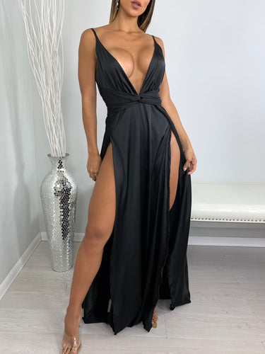 Walking Trophy Maxi Dress - Black