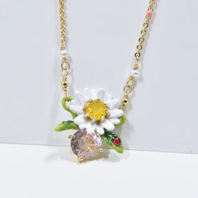 Daisy and pink crystal necklace