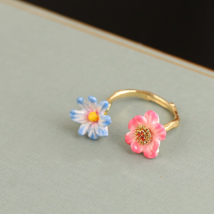 Blue and pink adjustable ring