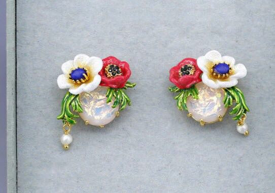 Red and white flower earrings