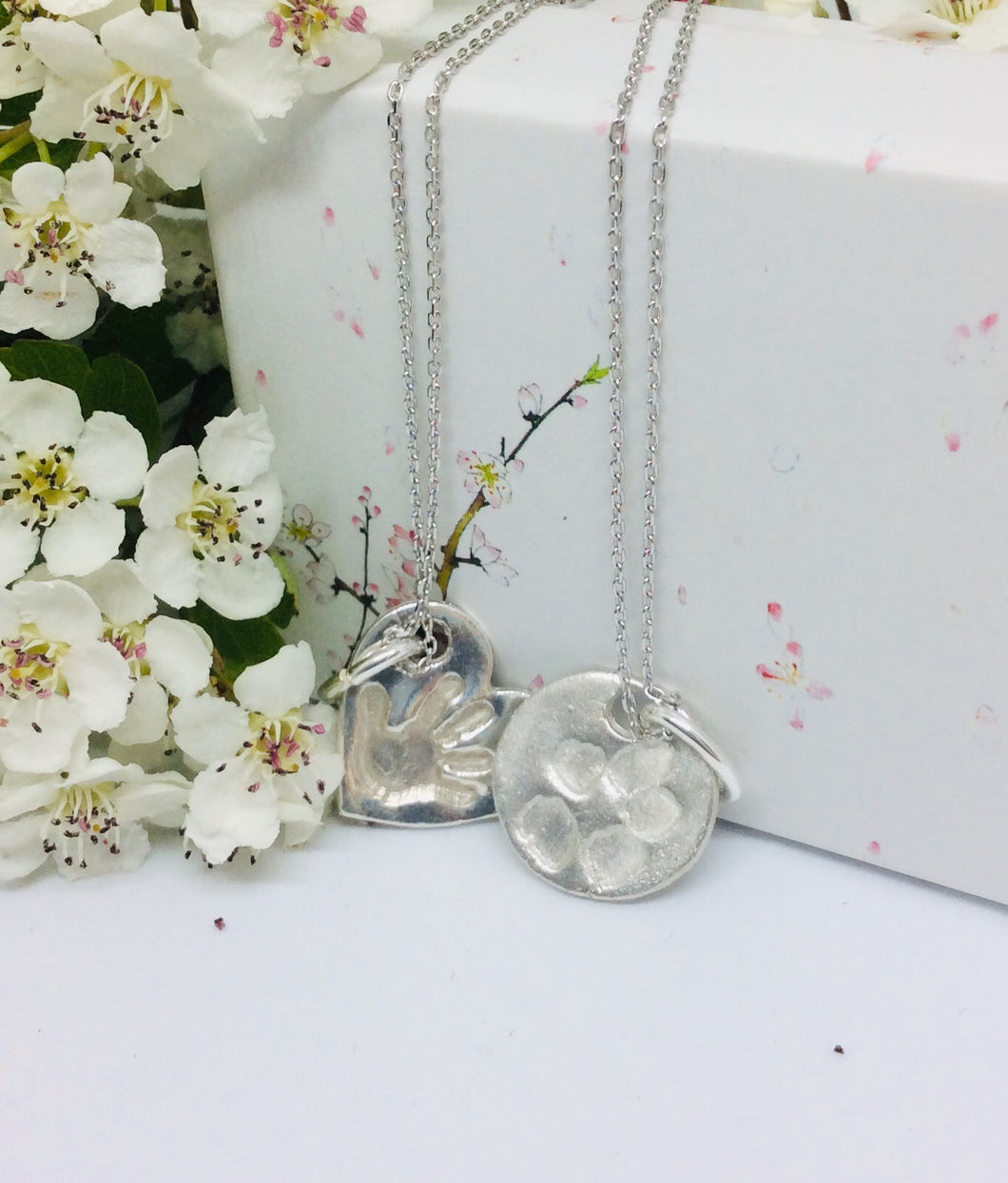 Sterling silver small circle necklace