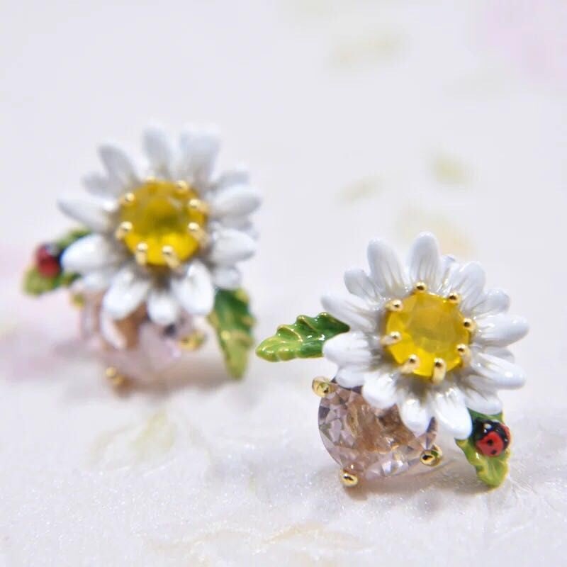 Daisy and pink crystal earrings