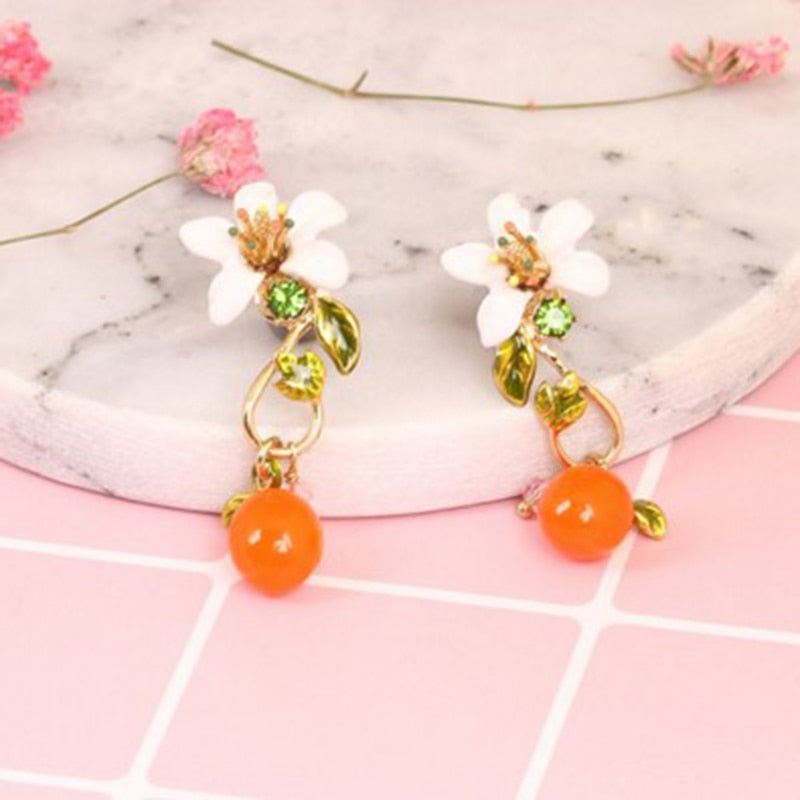 Flower Pendant Earrings orange and white flowers