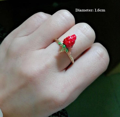 very pretty strawberry ring
