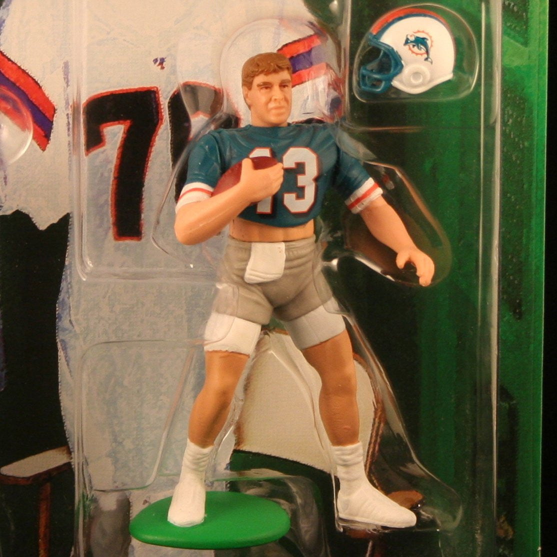 JOHN ELWAY / DENVER BRONCOS & DAN MARINO / MIAMI DOLPHINS 1998 NFL Classic Doubles * Winning Pairs * Starting Lineup Action Figures & Exclusive Collector Trading Cards
