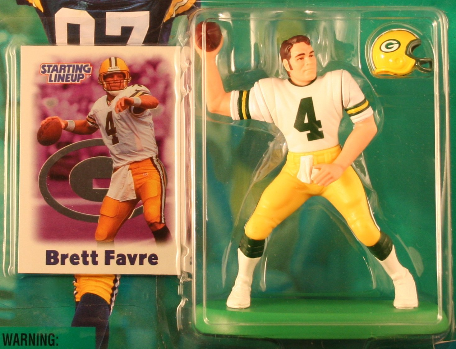 BRETT FAVRE / GREEN BAY PACKERS 2000-2001 NFL Starting Lineup Action Figure & Exclusive NFL Collector Trading Card