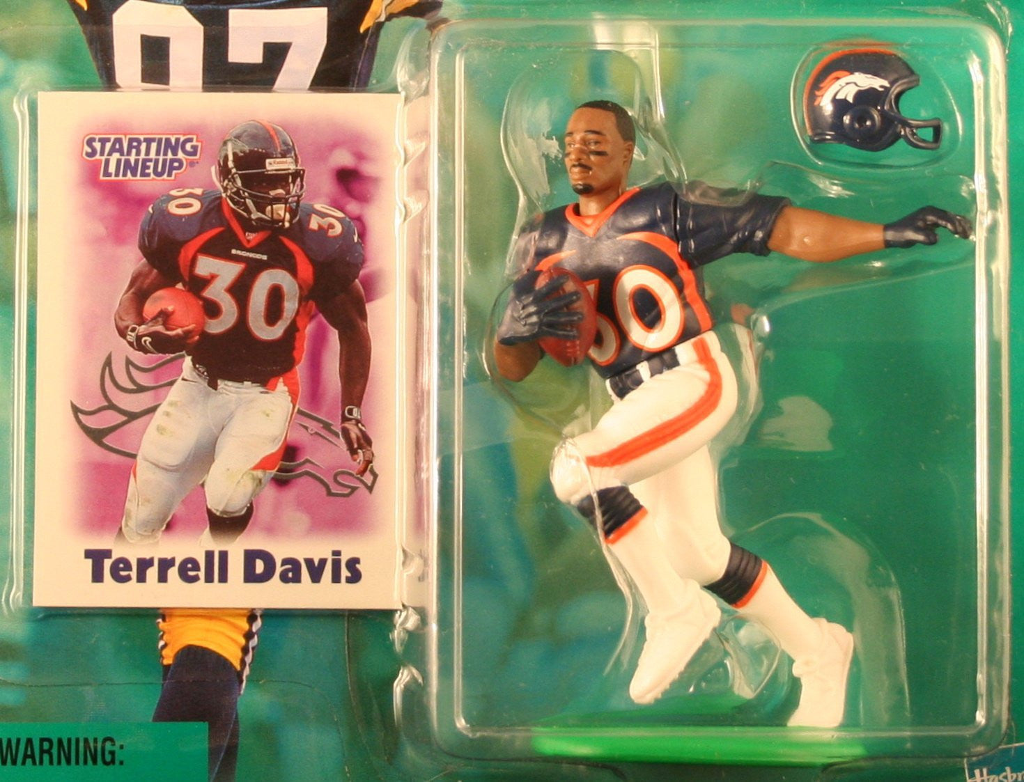 TERRELL DAVIS / DENVER BRONCOS 2000-2001 NFL Starting Lineup Action Figure & Exclusive NFL Collector Trading Card