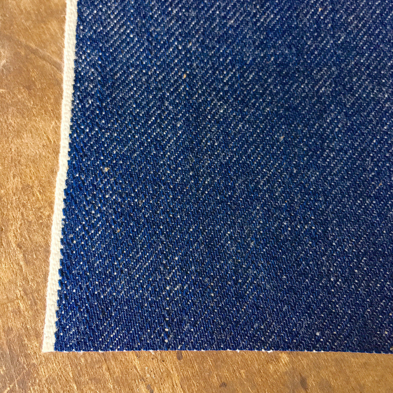 Style W005 : 15.25 oz Natural Indigo Selvage