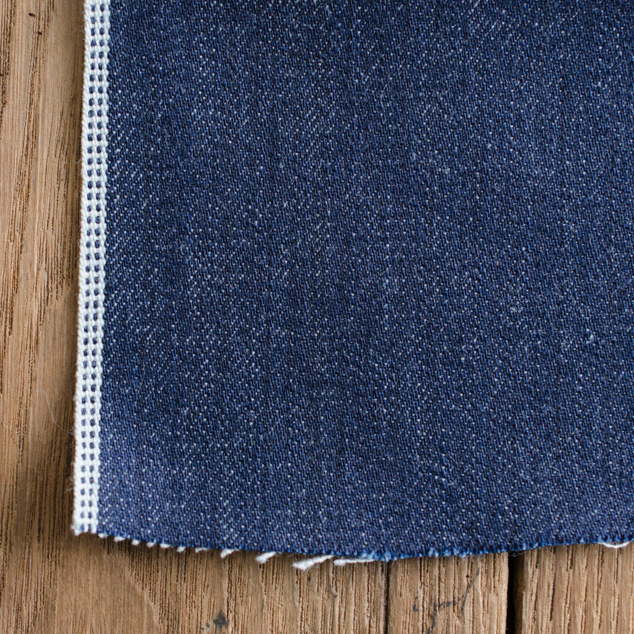 Style W557 : 13.50 oz. Selvage with Double Navy ID