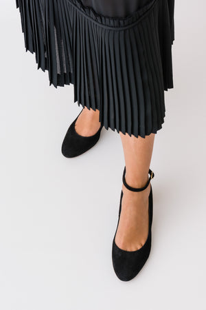 ELIS Suede Black Pump