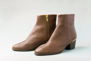 CARTER Taupe ankle bootie
