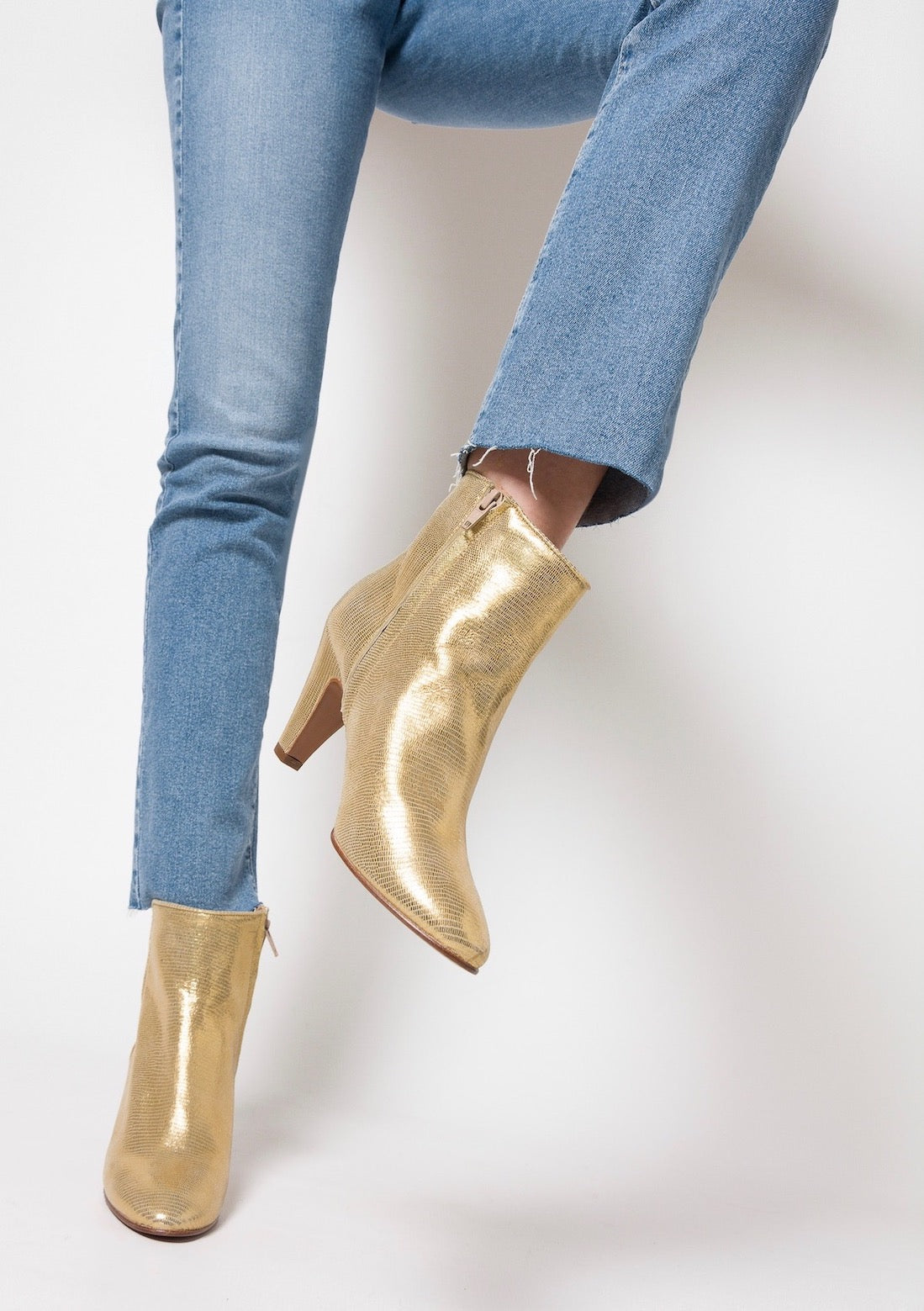 OLVERA Lizzard Gold Booties
