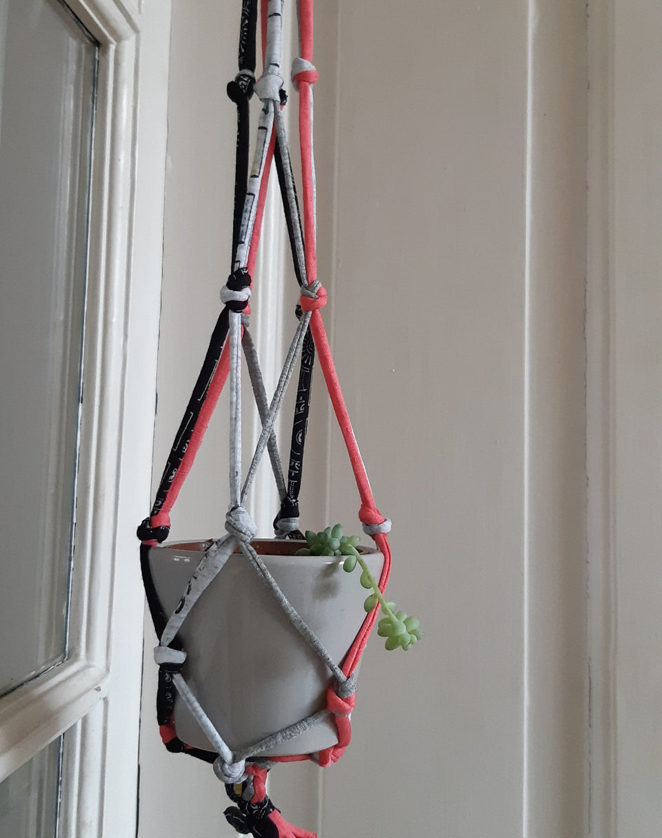 atelier creatif diy recyclage textile upcycling tshirt suspension plantes green deco lille tourcoing