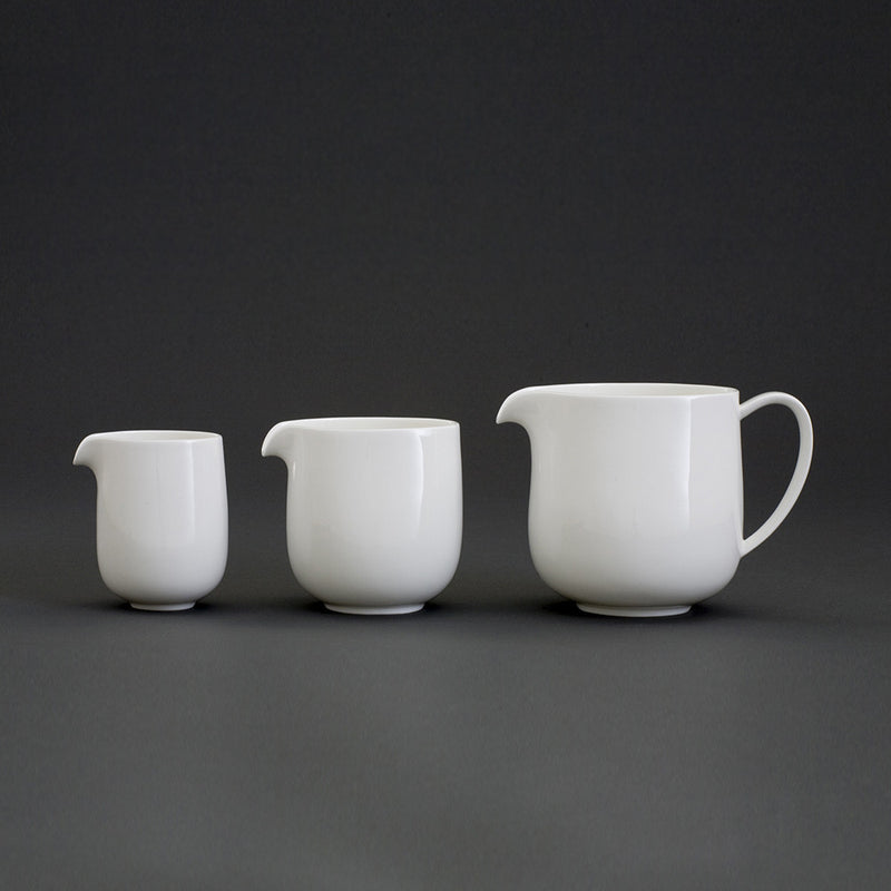 Oyyo White Medium Jug