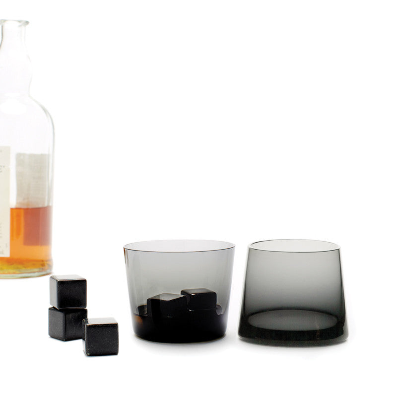 Whisky Stones® BLACK (Set of 9) In Use | Teroforma