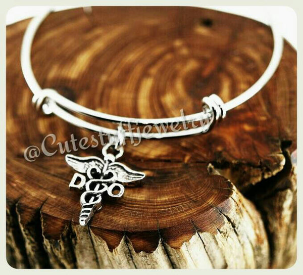 Doctor Osteopathic Medicine Bracelet, DO Bangle, Handmade DO Jewelry, DO Bracelet, Osteopathic Physician, Osteopathic Gift
