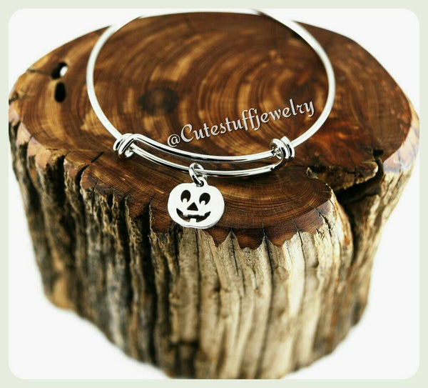 Jack O' Lantern Bracelet,  Jack O' Lantern Bangle, Pumpkin Bracelet, Adjustable Bangle, Handmade Halloween Jewelry, Halloween Bracelet