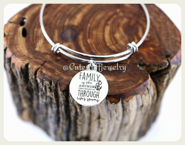 Family is the anchor Bracelet