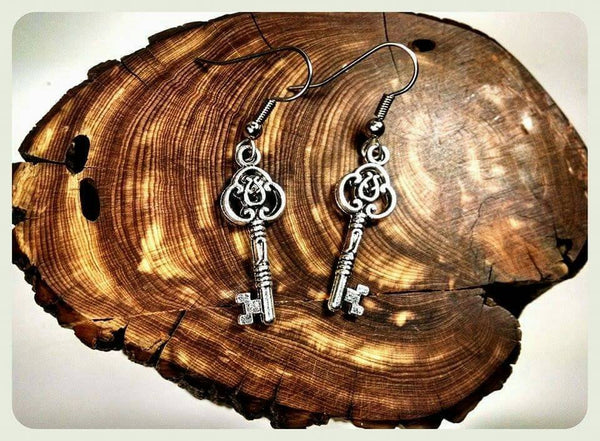 Antique Key Earrings, Hypoallergenic Earrings, Surgical Steel Hooks, Steampunk Key Earrings, Antique Silver Earrings, Handmade Jewelry