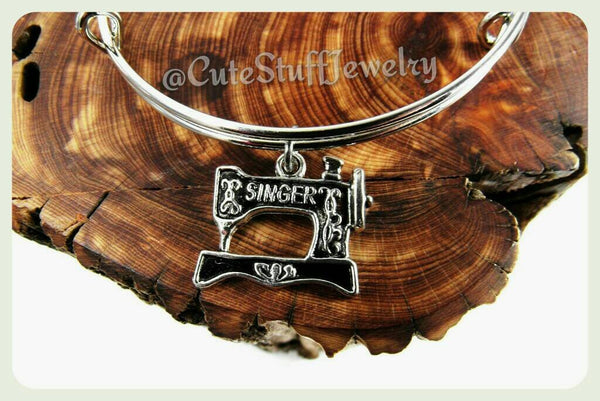 Sewing Machine Bracelet, Singer Sewing Machine Bangle, Seamstress Jewelry, Handmade Sewing Jewelry, Costumer Bracelet, Quilter Bracelet, Sew