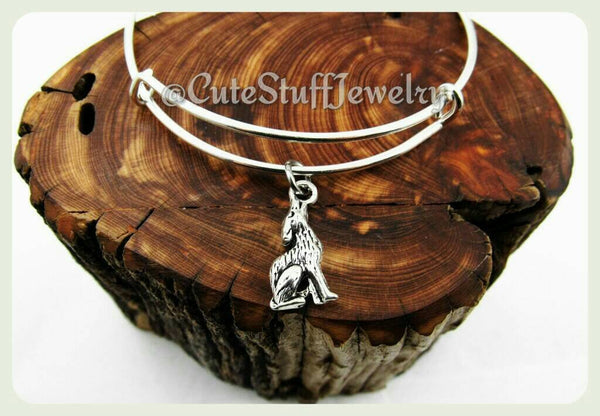 Howling Wolf Bracelet, Silver Wolf Bangle, Handmade Wolf Jewelry, Adjustable Bangle Bracelet, Wildlife Jewelry, Wild Animals, Gift