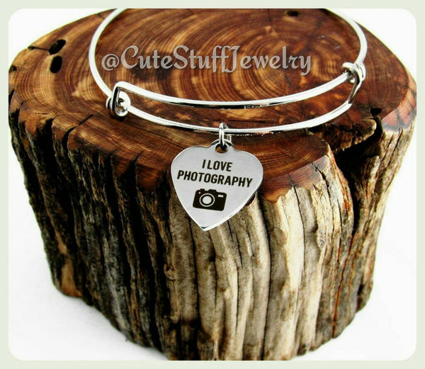 I Love Photography Bracelet, I Love Photography Bangle, Photographer Bracelet, Camera Bracelet, Handmade Photography Jewelry, Photos Gift