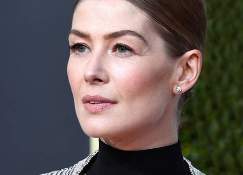 Get Rosamund Pike's Golden Globes Look
