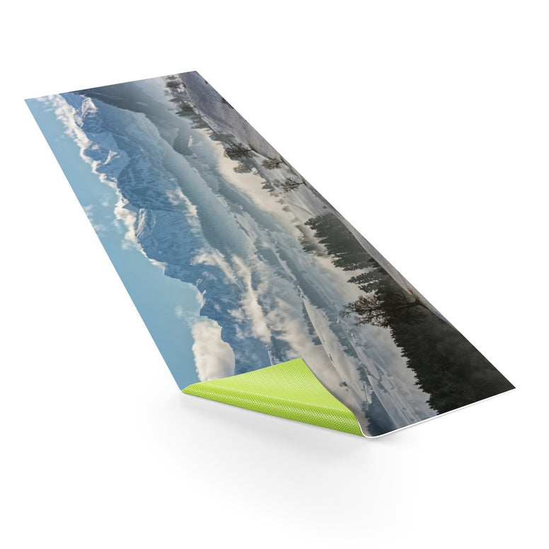 Snowy Mountains Yoga mat - Rising Star Leggings